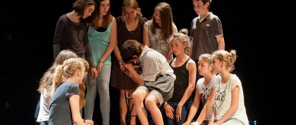 Inscription à l'école de théâtre le 16 septembre